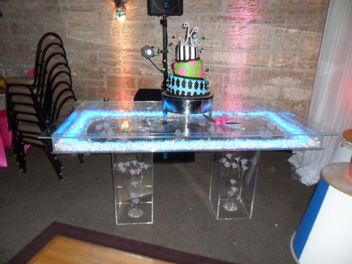Acrylic Table 1